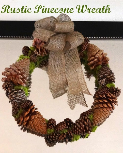 rustic pinecone wreath (via schuelove)