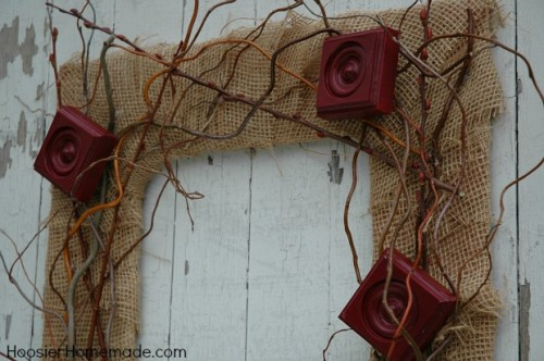 vintage-styled fall wreath (via hoosierhomemade)