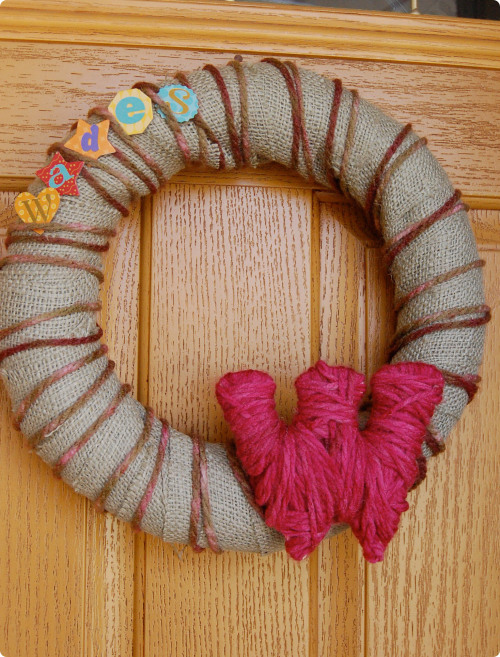 rustic monogrammed wreath (via hauteapplepie)