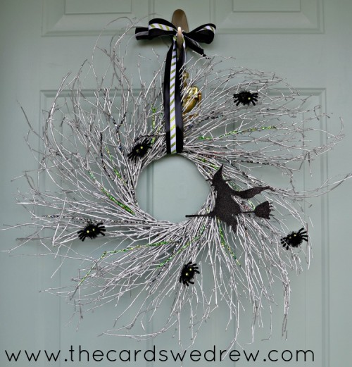 glam witch wreath (via thecardswedrew)
