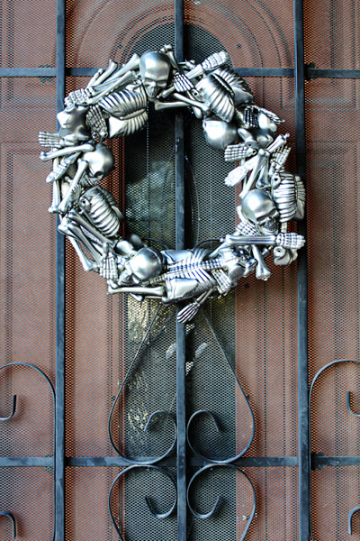 skeleton wreath (via triedandtrueblog)