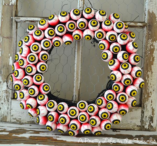 scary eyeball wreath