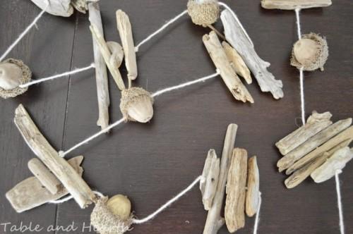 acorn and driftwood garland (via tableandhearth)
