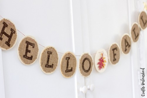 burlap fall banner (via craftsunleashed)