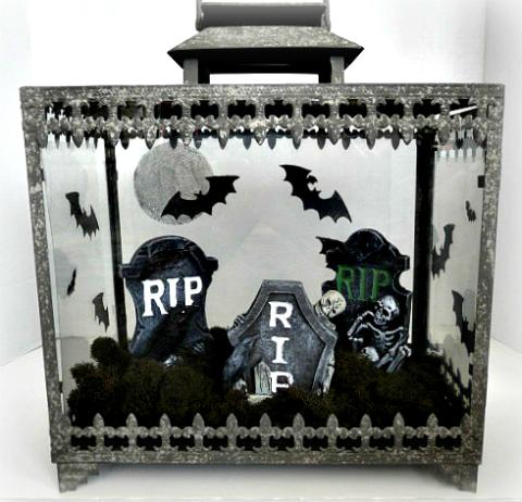spooky terrarium vignette (via ewillow)
