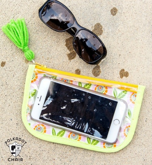 Simple And Quick DIY Splash Proof Phone Case