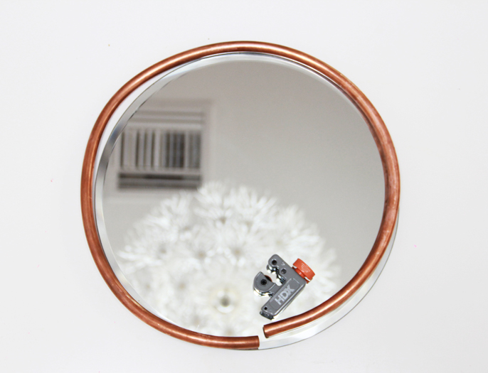 Picture Of simple and stylish diy copper edged mirror  5