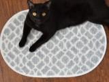simple patterned bath mat