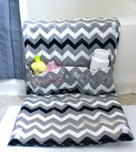 bath mat with pockets (via allfreesewing)