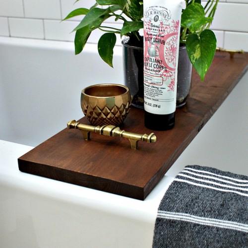 Simple DIY Bathtub Tray With Brass Handles | Shelterness