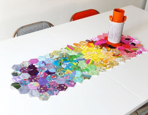 hexagon table runner (via shelterness)