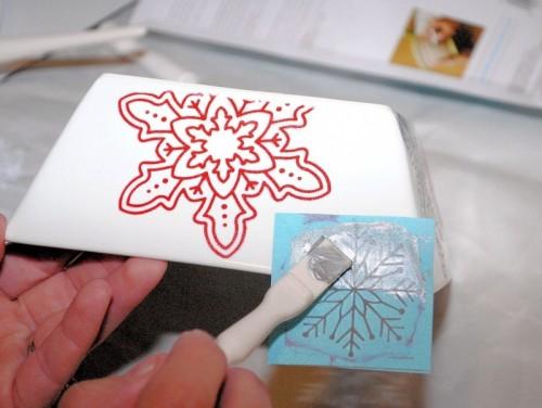 Simple Diy Christmas Stenciled Centerpiece