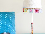 simple-diy-crocheted-trim-for-lampshade-makeover-1