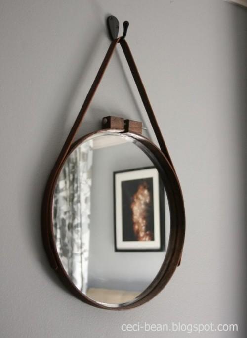 embroidery hoop mirror (via ceci-bean)
