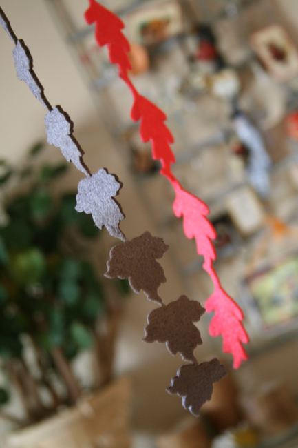 Simple Diy Fall Garland From Felt