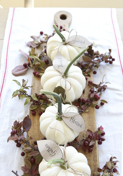 pumpkin and berries centerpiece (via ellaclaireinspired)