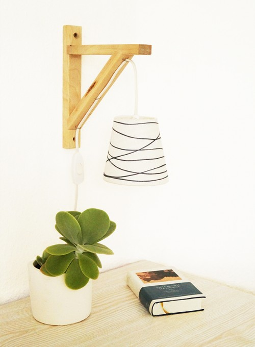 Simple DIY Gallows Wall Lamp To Make
