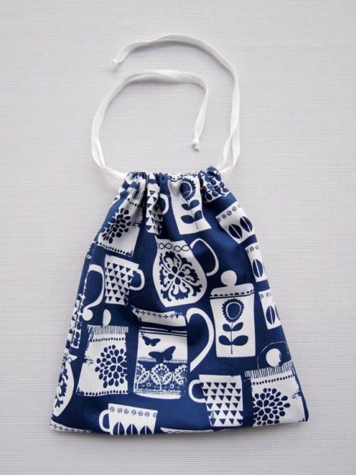 drawstring bag (via georginagiles)