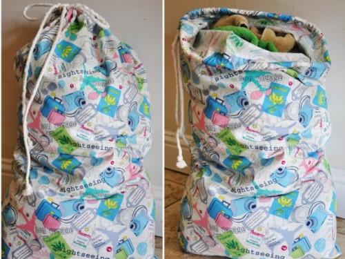 simple cotton laundry bag (via momtastic)