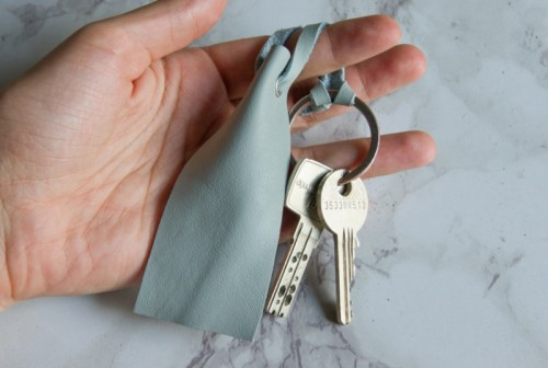 Simple DIY Leather Key Ring To Make