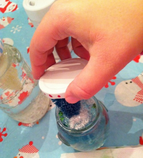 Simple Diy Mason Jar Snowglobes