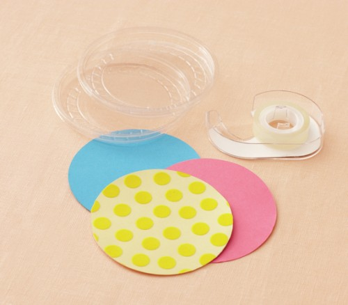 plastic lids coasters (via realsimple)