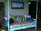 day bed with a canopy
