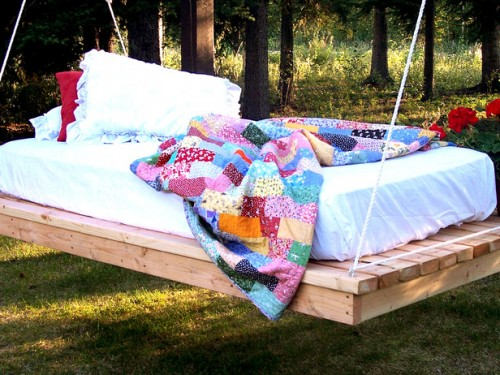 hanging daybed (via hgtv)