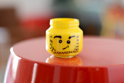 lego head pencil holder (via estefimachado)