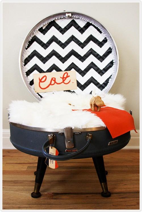 round suitcase pet bed
