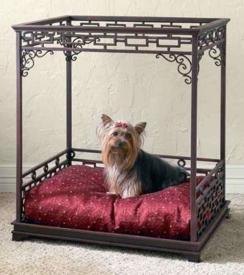 luxurious pet bed (via wkdesigner)