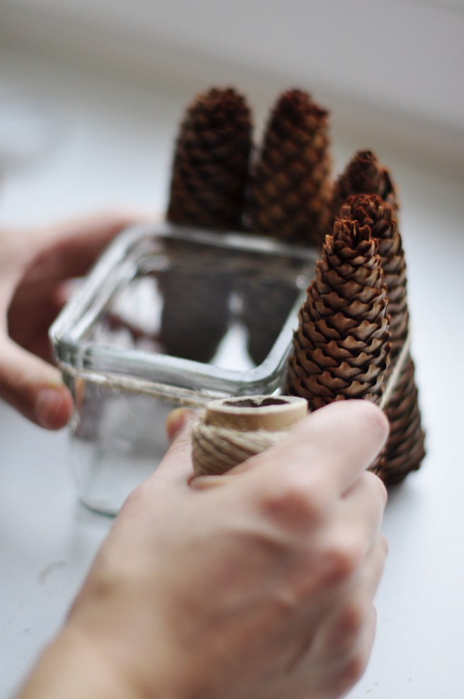 Simple Diy Pine Cone Candle Holder
