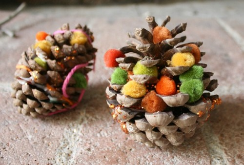 pompom pinecones (via shelterness)