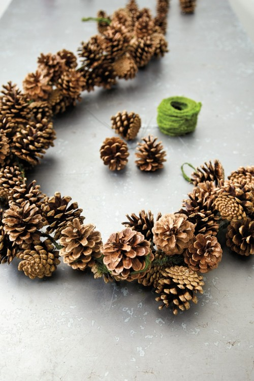 thick pinecone garland (via howtodecorate)