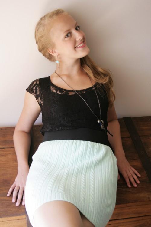 old sweater skirt (via pearlsandscissors)