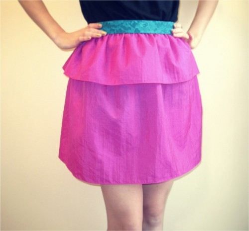 ruffled skirt (via mollytov)
