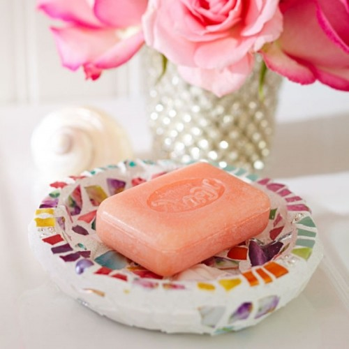 ceramic soap dish (via shelterness)