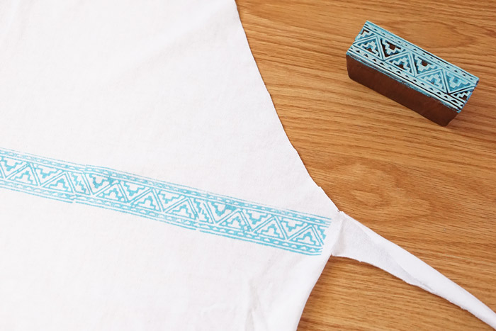 Picture Of simple diy stamped t shirt apron  4