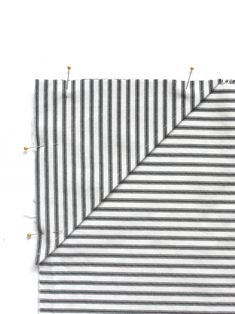 Picture Of simple diy striped picnic blanket  5