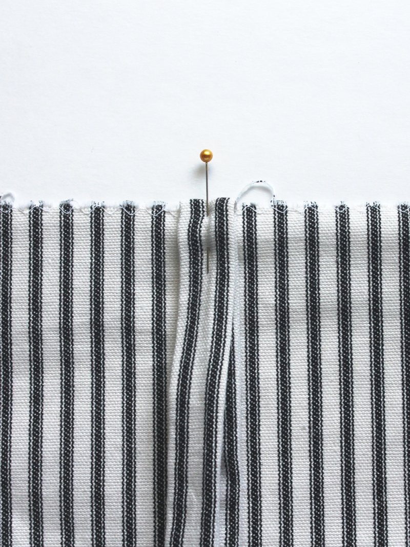 Picture Of simple diy striped picnic blanket  7