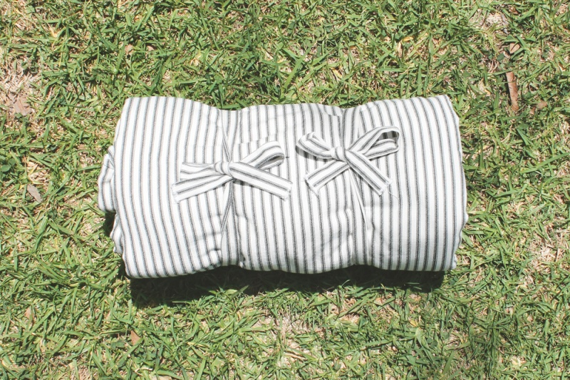 Picture Of simple diy striped picnic blanket  8