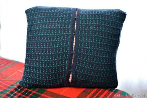 Simple DIY Sweater Throw Pillows