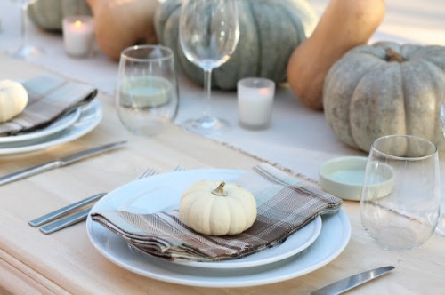 8 Simple DIY Thanksgiving Table Settings & 8 Simple DIY Thanksgiving Table Settings - Shelterness