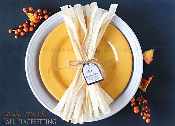 corn husk table setting
