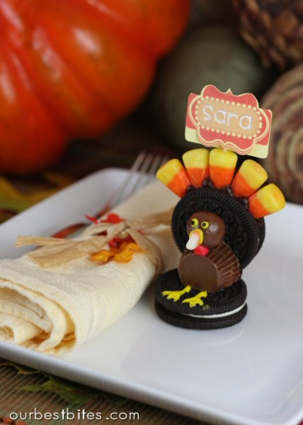 funny turkey table setting (via youplusdallas) & 8 Simple DIY Thanksgiving Table Settings - Shelterness