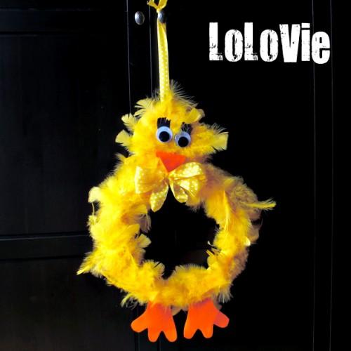 Easter chicken wreath (via lolovie)