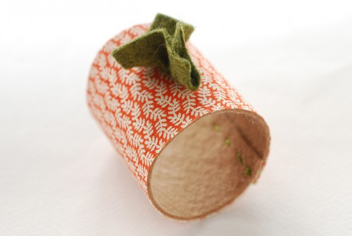pumpkin napkin rings (via wildolive)