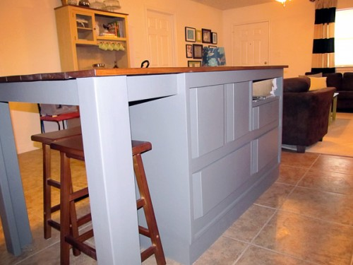 kitchen island from a dresser (via thegoodthebadandthetruth)