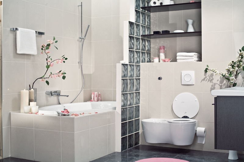 Picture of small bathroom in japanese style for Small japanese bathroom design