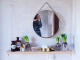 small-diy-hanging-bathroom-shelf-1